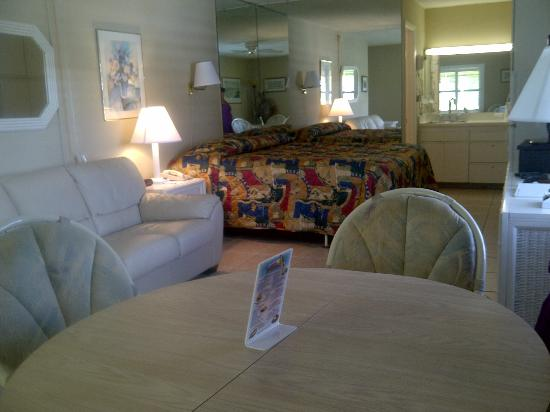 Gulfcoast Inn Naples: Very nice suite