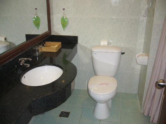 Saigon Kim Lien Resort: Bathroom #1