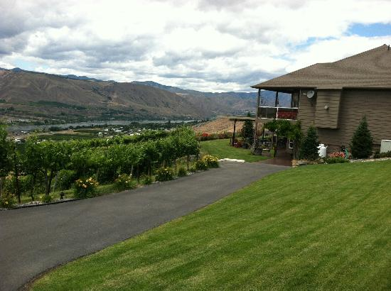 East Wenatchee, Waszyngton: House upstairs, tasting room downstairs