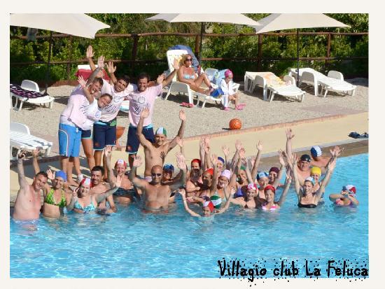 Isca Marina, Italy: Animazione in piscina