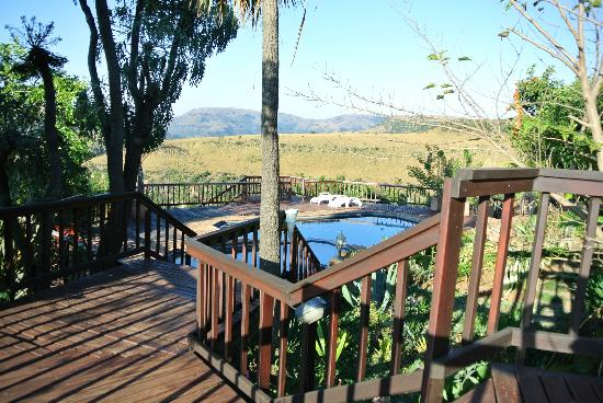 Acra Retreat - Mountain View Lodge - Waterval Boven: pool and view