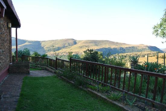Acra Retreat - Mountain View Lodge - Waterval Boven: view