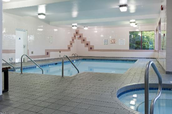 Talking Rock Golf Course : Indoor pool, hot tub, and steam room
