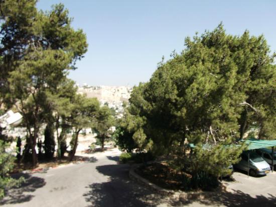La Maison d'Abraham: Entryway