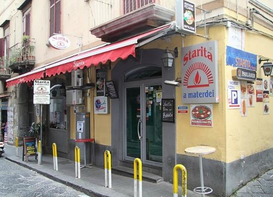 写真Pizzeria Starita a Materdei枚