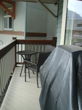 The Lodges at Canmore: our balcony with bbq