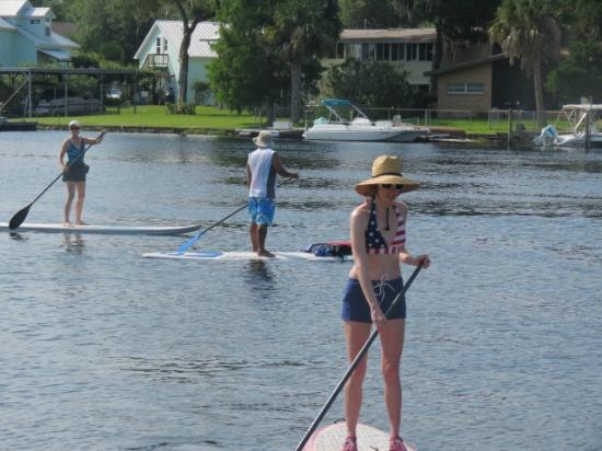 Hunter Spring Park: paddleboarding