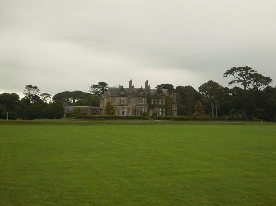 Falshea House B&B: Muckross House, Killarney