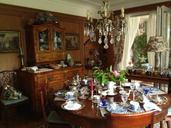 B&B Villa Magnolia: Breakfast Room
