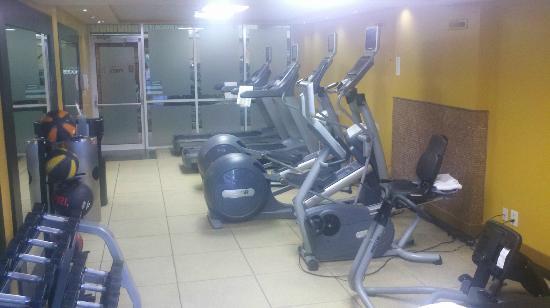 إمباسي سويتس ممفيس: Workout Room