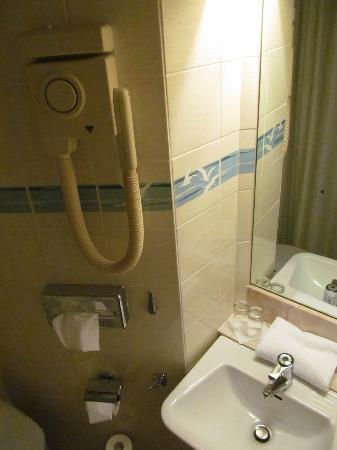 Hotel Terminus Stockholm: Bathroom