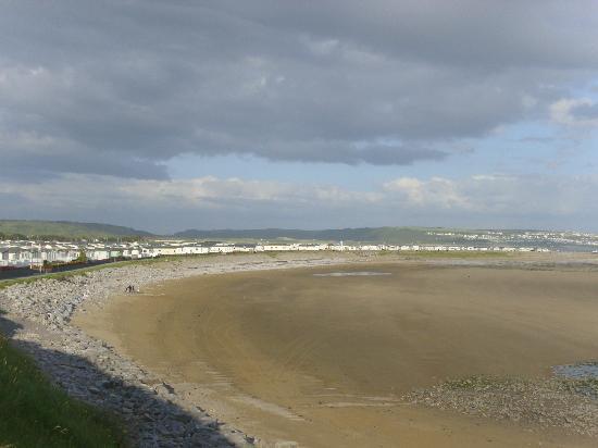Parkdean - Trecco Bay Holiday Park: trecco bay beach