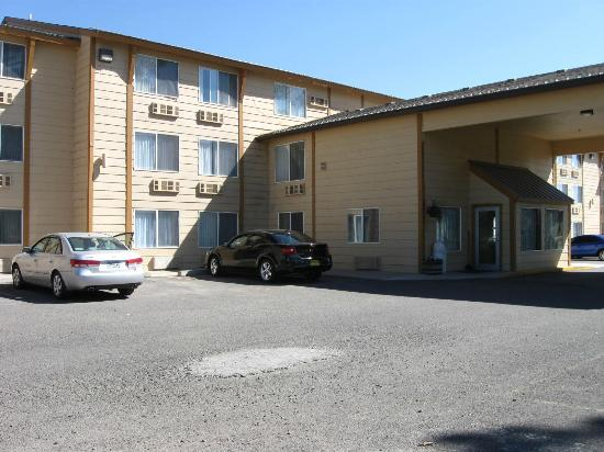 Pagosa Springs Inn and Suites: Neat and well maintained