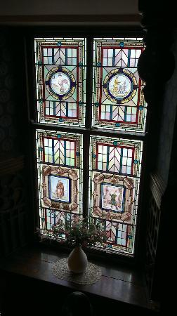 Ty'r Graig Castle: Stained-glass window on staircase