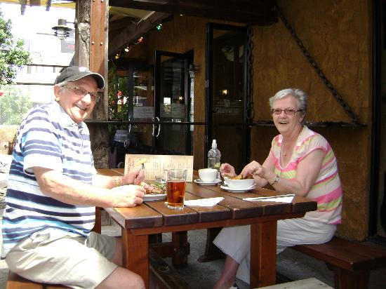 Smugglers Pub and Cafe: That's us enjoying our meal