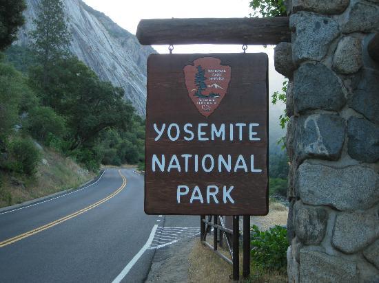 west entrance at el portal picture of yosemite valley. Black Bedroom Furniture Sets. Home Design Ideas