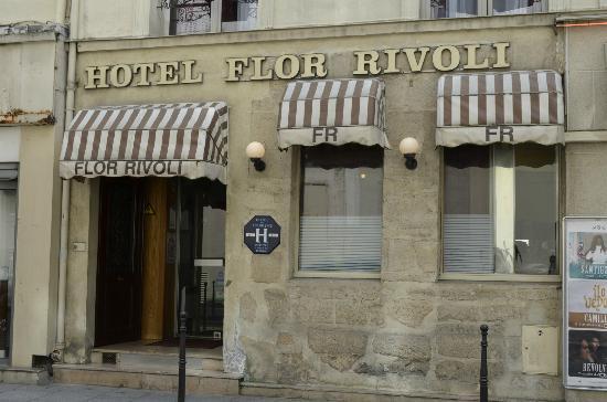 هوتل فلور ريفولي: Front of hotel 