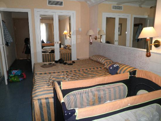 Diverhotel Roquetas: habitacion 214