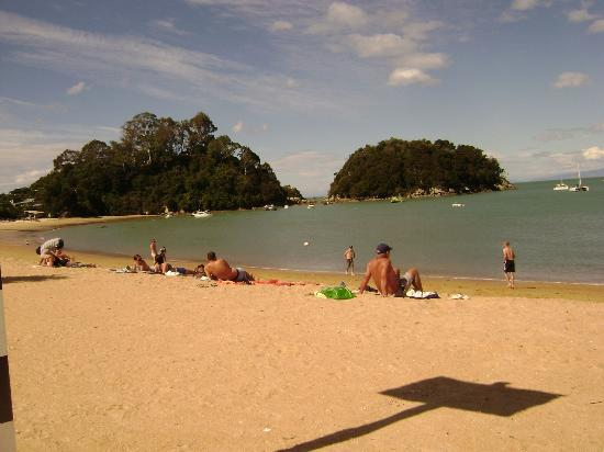 ‪‪Kaiteriteri Beach‬: View from west end of beach