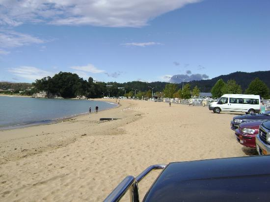 Kaiteriteri Beach: View from east end of beach
