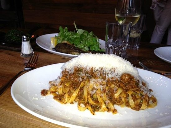 Photo of American Restaurant Mintwood Place at 1813 Columbia Rd Nw, Washington, DC 20009, United States