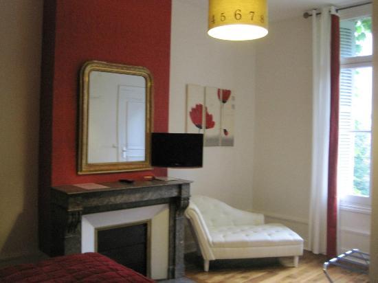 Val de Loire Hotel: Detalle habitación.