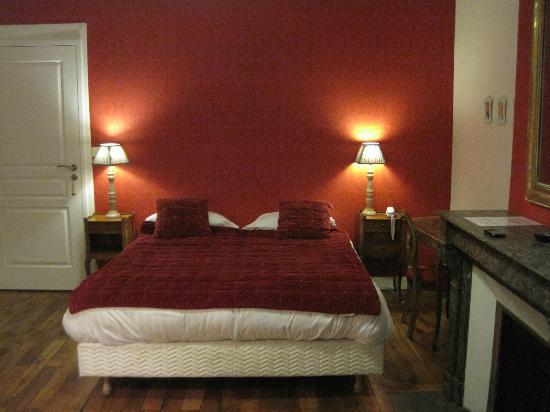 Val de Loire Hotel: Dormitorio.