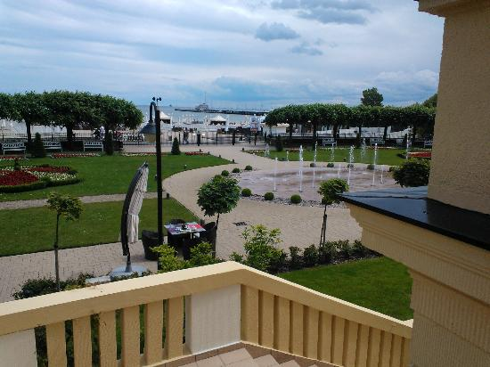 Sofitel Grand Sopot : Facing the garden and beach outside