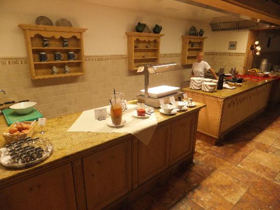 Hotel Alpenhof Hintertux: Breakfast 3