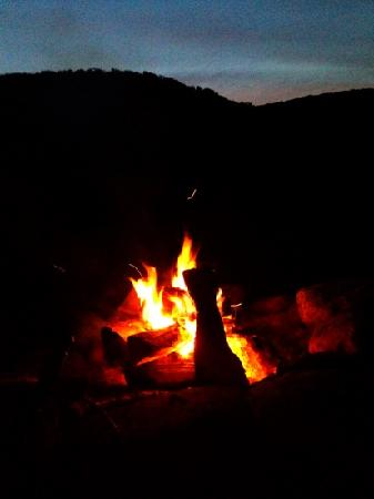Cold Spring Lodge: our campfire at dusk.
