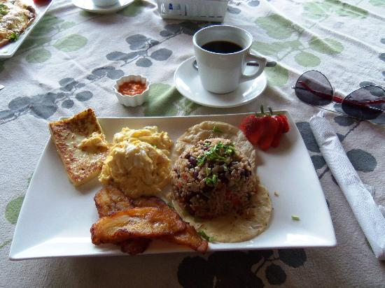 Costa Paraiso: Tico breakfast