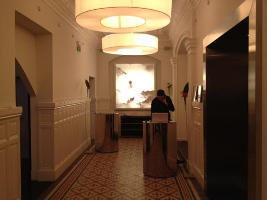 Le Grand Balcon: hotel lobby