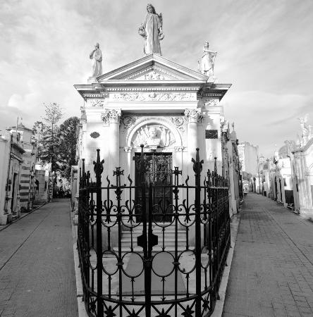 BuenosTours: Recoleta Cemetery