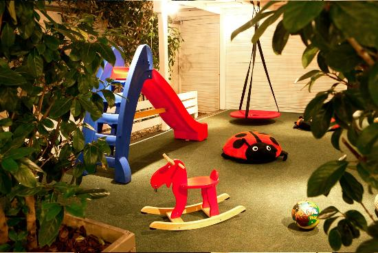Pepe Nero: playground for the kids - isnt it lovely?