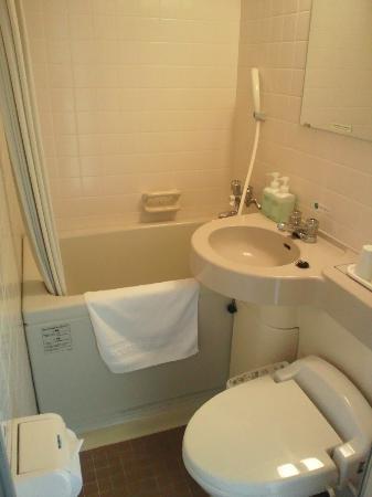 Hotel Route-Inn Minokamo: bath