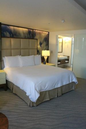 Hilton Windhoek: Room