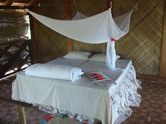 Bayview Resort: 2nd bed in the fale