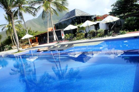 IKIN Margarita Hotel & Spa: Piscina CC. Makeuplocalypse