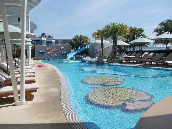 Holiday Inn Pattaya : 子供用プール