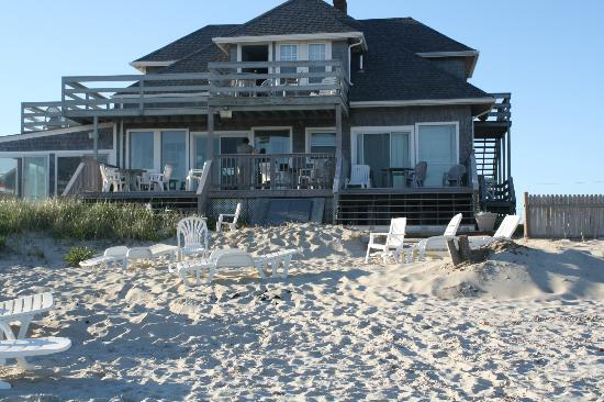 Beach House Inn: It really is all this..
