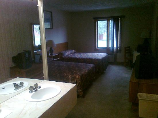 Canaan Village Inn: Standard double room
