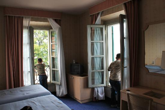 Hotel Villa Carlotta: our lovely room facing the the lake