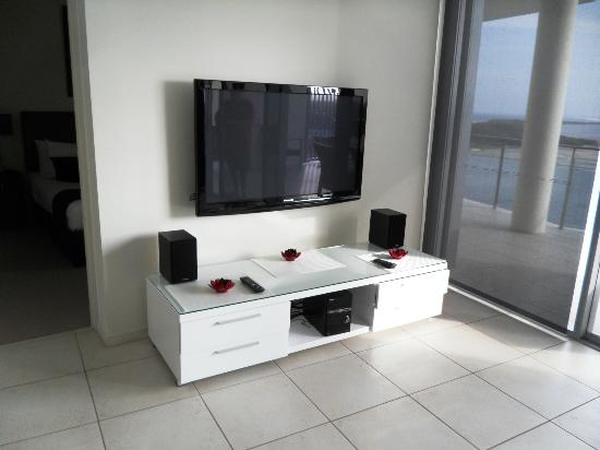 Monaco: tv & stereo