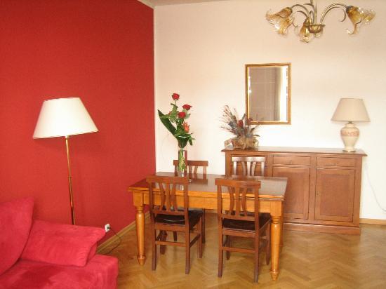 Hotel Suite Home Prague : Living room
