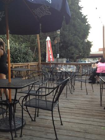 Nathaniel's Pub: back deck