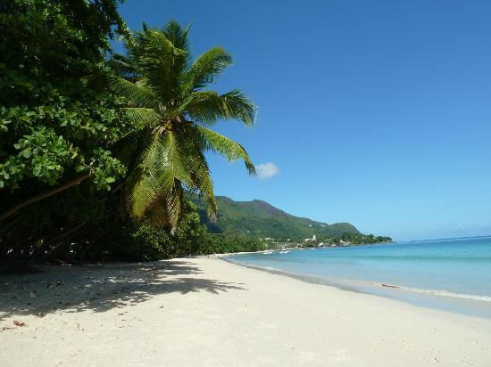 Coral Strand Smart Choice Hotel Seychelles: hotel on Beau Vallon beach