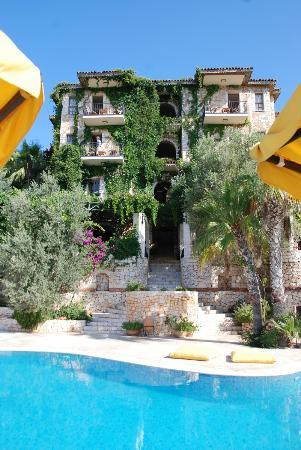 Villa Hotel Tamara: Rooms with a sea view
