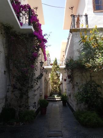 Tierra Mistica Arequipa : Hotel courtyard