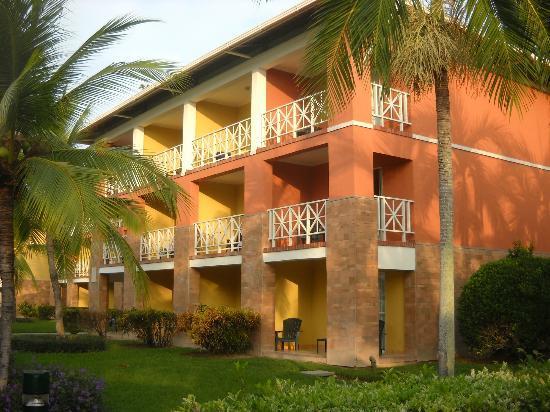 Royal Decameron Golf, Beach Resort & Villas : Un des bâtiments