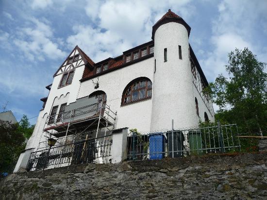 Koch's Villa: view of front 2